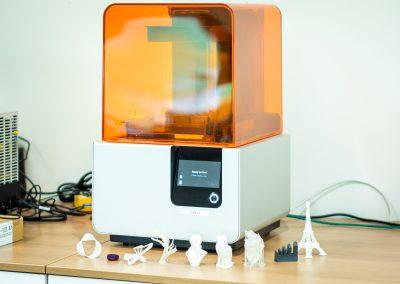 Imprimante à résine Form2 - Solo et modèles 3D